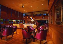 吉隆坡皇家朱蘭酒店 - 吉隆坡 - 酒吧