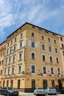 Gallery Hotel Sis - Prague - Building