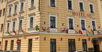 Gallery Hotel Sis - Prague - Building