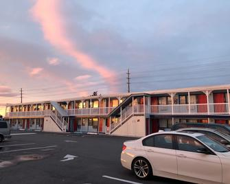 New Sea Breeze Motel - Pleasantville