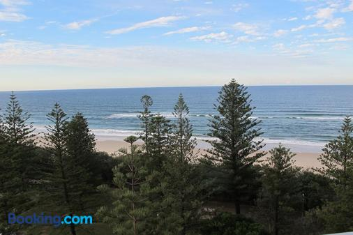 Pacific Regis Apartments - Burleigh Heads - Beach