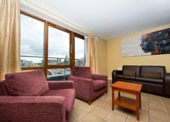 Staycity Serviced Apartments - Saint Augustine St - Dublin - Living room