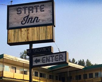 The State Inn - Pullman - Building