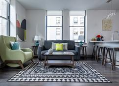 Stay Alfred at Broad and Chestnut - Philadelphia - Living room