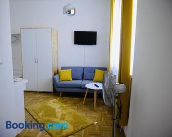 Konditorei Mandl - Bruck an der Mur - Living room