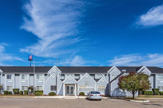 Motel 6 Mcalester, OK - McAlester - Building