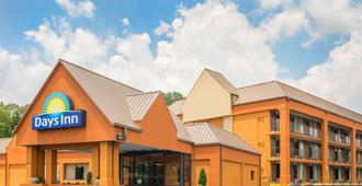 Days Inn by Wyndham Knoxville East - Knoxville - Building