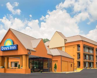 Days Inn by Wyndham Knoxville East - Knoxville - Gebouw
