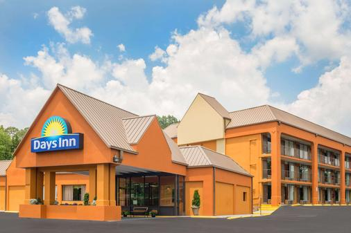 Days Inn by Wyndham Knoxville East - Knoxville - Gebäude