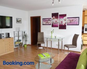 Ferienwohnung Renner - Burghausen - Living room