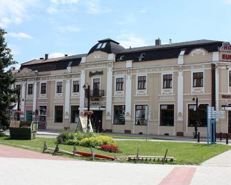 Hotel Europa - Liptovsky Mikulas - Building