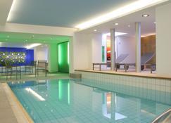 Hotel Ambassador - Berna - Piscina
