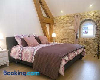Les Mille et une Pierres - Mareuil-le-Port - Bedroom