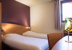 The Originals City, Hôtel Costières, Nîmes (Inter-Hotel) - Nimes - Bedroom