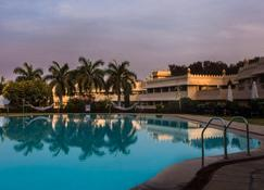 Vivanta Aurangabad - Aurangabad - Pool