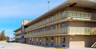 Motel 6 Cincinnati - Cincinnati - Building
