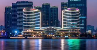 Sheraton Huangdao Hotel - Qingdao - Building