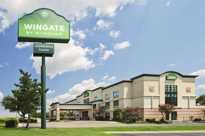 Wingate by Wyndham Round Rock Hotel & Conference Center - Round Rock - Gebäude