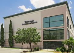 Wingate by Wyndham Round Rock Hotel & Conference Center - Round Rock - Building
