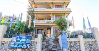 Hotel Uni Pokhara - Pokhara
