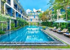 Sakmut Hotel & Spa - Ciudad de Siem Riep - Piscina