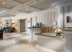 Woodmark Hotel and Still Spa - Kirkland - Receptie