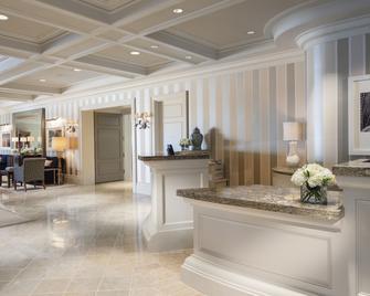 Woodmark Hotel and Still Spa - Kirkland - Recepce