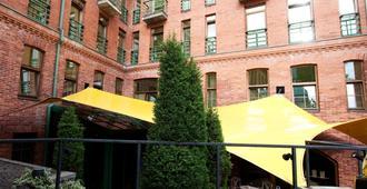 Best Western Santakos Hotel - Kauen - Gebäude