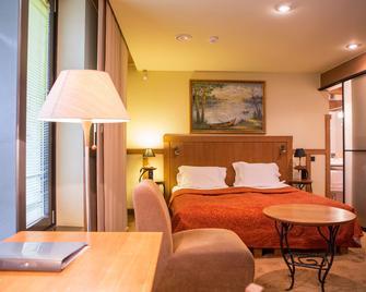 Best Western Santakos Hotel - Kaunas - Bedroom