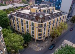 Coop Hotel - Sofia - Building