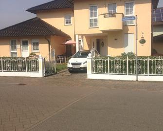 Gästehaus Tante Tienchen - Rust - Gebäude