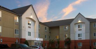 Candlewood Suites Richmond-South - Richmond