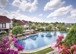 Grand Kesambi Resort and Villas - North Kuta - Πισίνα