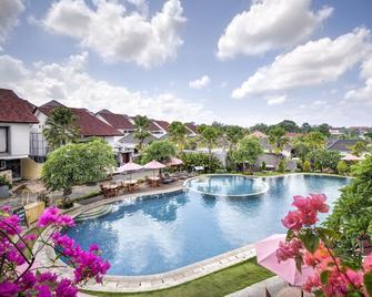 Grand Kesambi Resort and Villas - North Kuta - Bể bơi