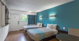 Motel 6 Overland Park - אוברלנד פארק - חדר שינה