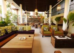 دهيفاترا بيتش هوتل - Grand'Anse Praslin - بار