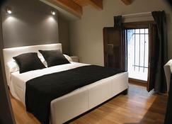 Hotel Portal del Matarraña - Valjunquera - Schlafzimmer