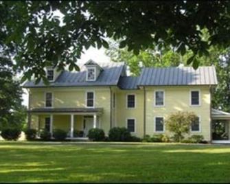 Inn at Westwood Farm - Orange - Building