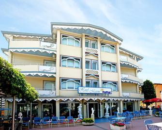 Hotel Maxim - Каорле - Building