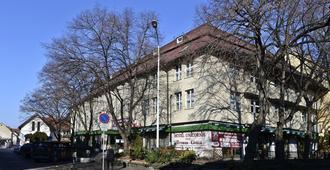 Hotel Unicornis - Eger - Outdoor view