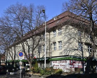 Hotel Unicornis - Eger - Buiten zicht