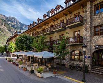 Hotel Ciria - Benasque - Building