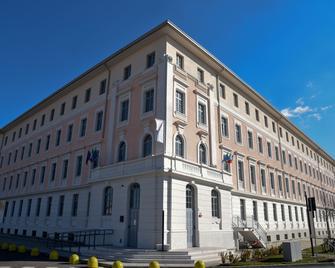 Nuovo Albergo Operai - Monfalcone - Building