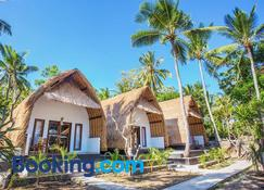 Bintang Bungalow - Nusa Penida - Building