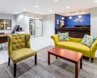 Baymont by Wyndham Anderson - Anderson - Obývací pokoj