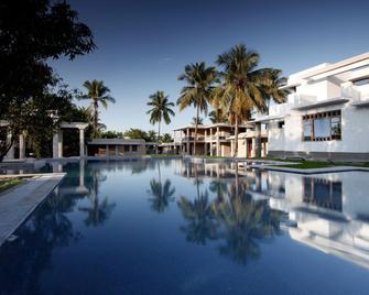 Heritage Resort Hampi - Hampi - Pool