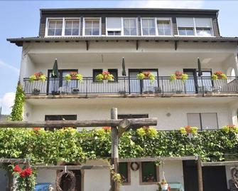 Hotel - Pension Wendland - Wintrich - Gebäude
