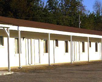 Crescent Motel Franklinton - Franklinton - Building