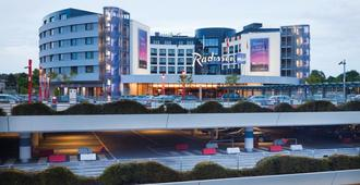 Radisson Blu Hotel, Hamburg Airport - Hamburg - Building