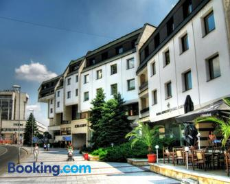 Hotel Lovech - Loveci - Building